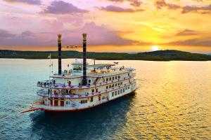 Branson Missouri Showboat Branson Belle